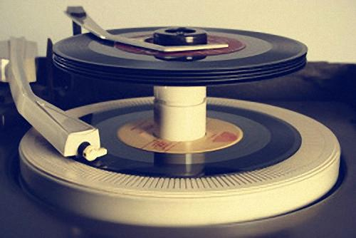 45-rpm-record-player