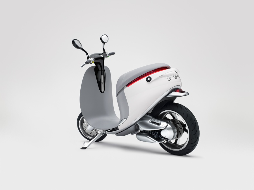 Gogoro-Smartscooter-Back-Left-Quarter