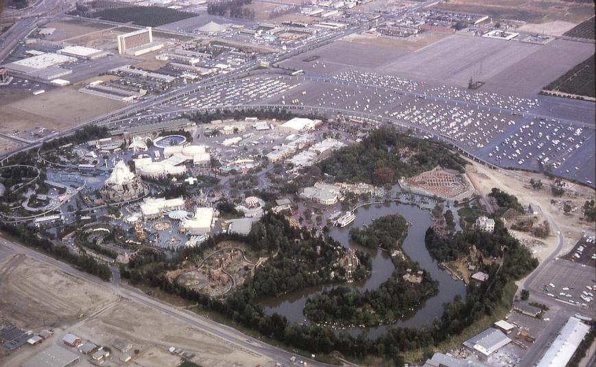 1963-Disney Land-NW_to_SE_View