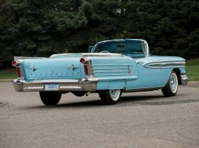 1958 Oldsmobile Super 88 Convertible-2