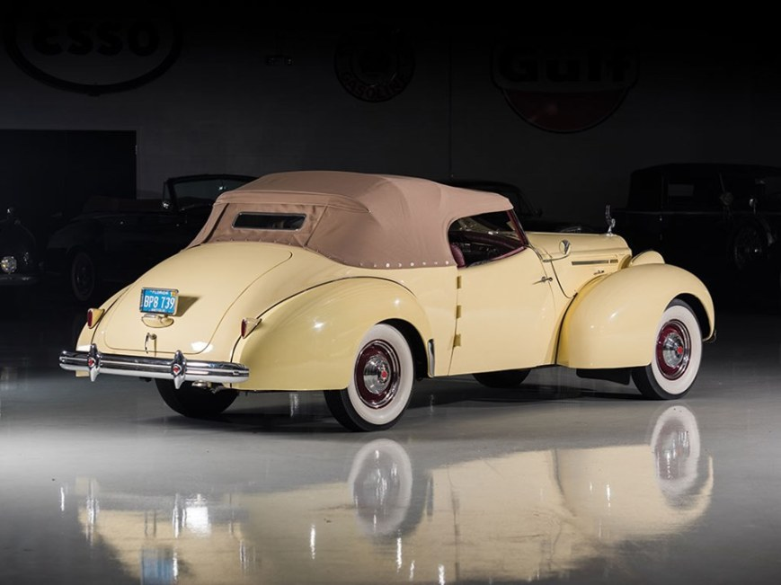 1939 Packard One Twenty Convertible Victoria by Darrin-4